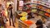 В Перми посетители магазина отбили кассира у вооружённого грабителя