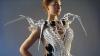 Дизайнер спроектировала платье для защиты личного пространства