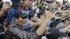 Беженцы устроили погром с фейерверкам на греческом острове Хиос