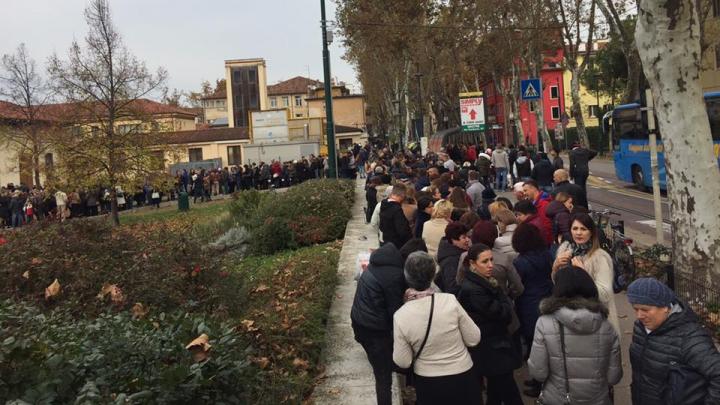 Что происходит на избирательных участках за границей