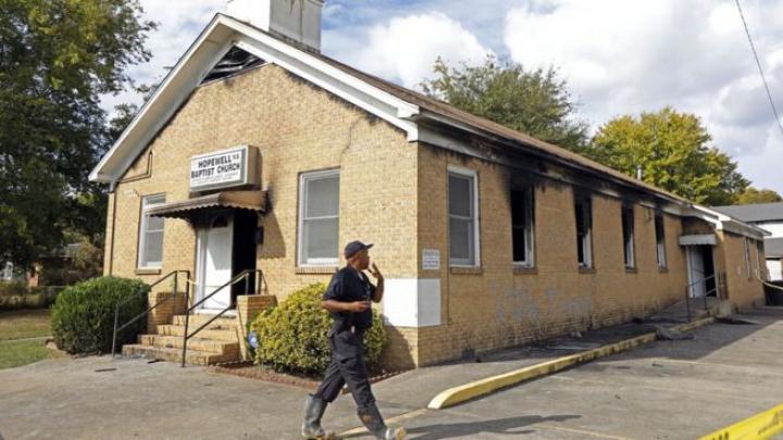 На восстановление сожженной церкви американцы за день собрали 200 тысяч долларов
