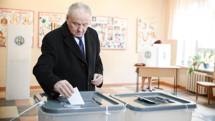 За что голосуют первые лица государства