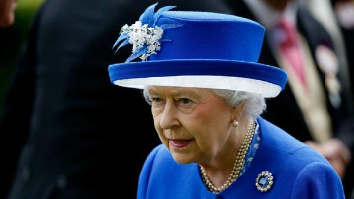 Британцы попросили Елизавету II заплатить за ремонт Букингемского дворца
