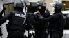 В Париже полиция освободила заложников, грабитель сбежал