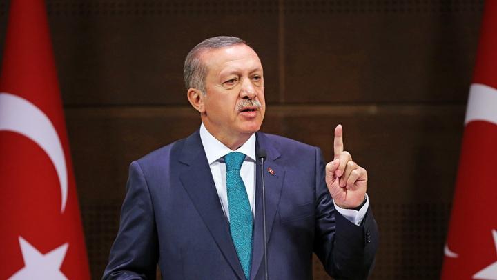 Эрдоган призвал граждан Турции избавляться от долларов