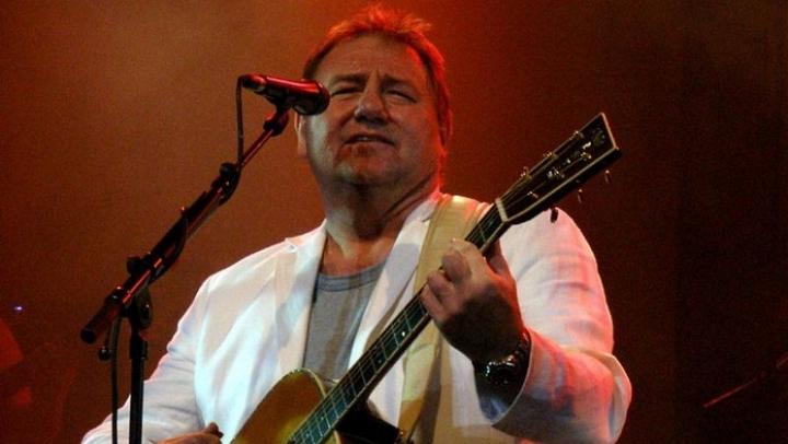 Гитарист группы Emerson, Lake & Palmer умер от рака