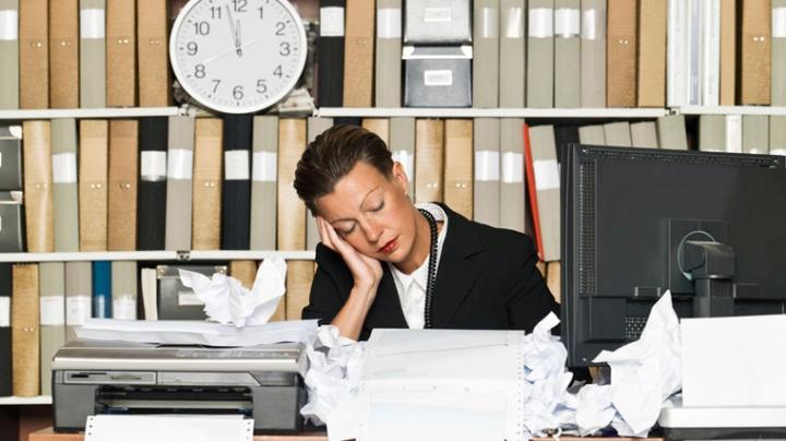 Недосып наносит экономикам ущерб в сотни миллиардов долларов