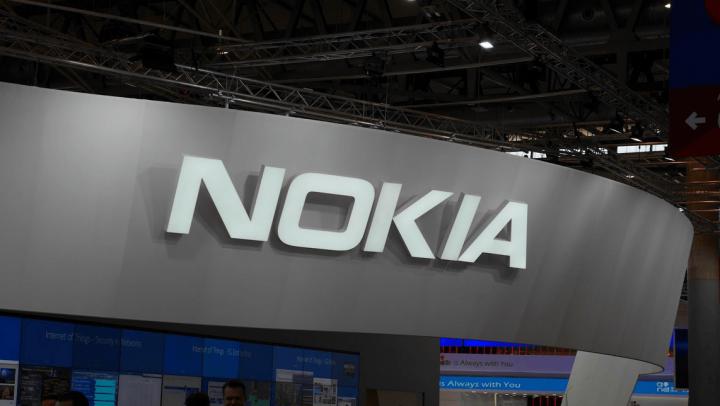 Появились фото смартфона Nokia C1 с двойной камерой