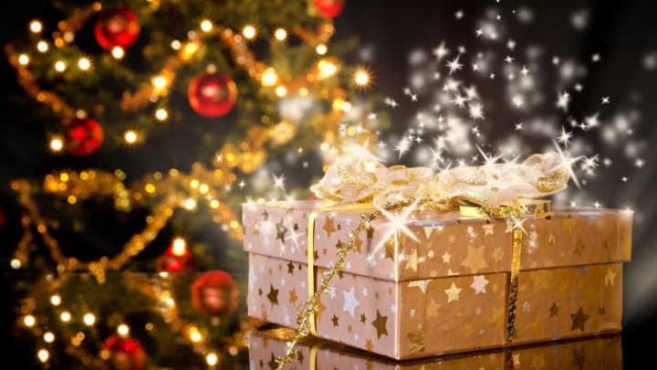 Жители Финляндии тратят на рождественские подарки более €500
