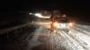 Как грузовик занесло в кювет на заснеженной дороге