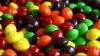 В США шоссе засыпало драже Skittles для скотины