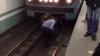 В Москве скончалась бросившаяся под поезд метро вместе с ребенком женщина