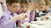 Предприятия, замешанные в поставках плохих продуктов в школы, внесены в черный список