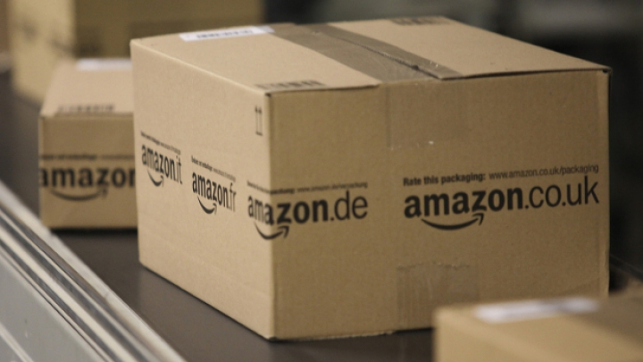 Amazon прислал женщине еврейского происхождения «привет от дяди Адольфа»