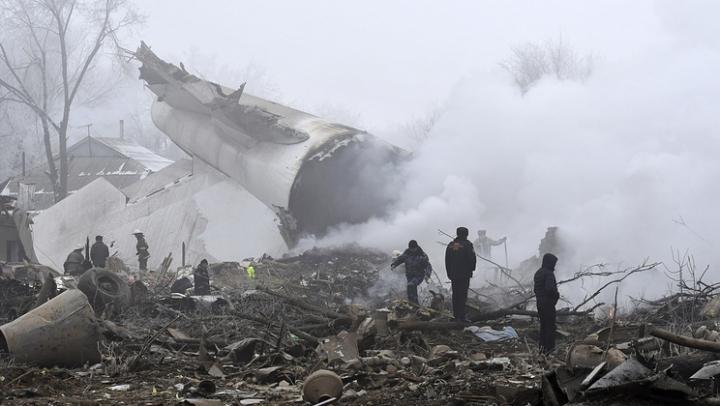 """""""Черные ящики"""" разбившегося под Бишкеком турецкого Boeing оказались серьезно повреждены"""