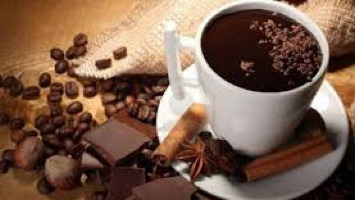 """""""Аферист Века"""" Мэдофф монополизировал торговлю горячим шоколадом в тюрьме"""
