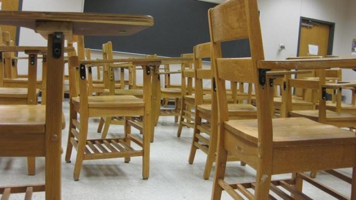 17-летний школьник порезал двух одноклассниц