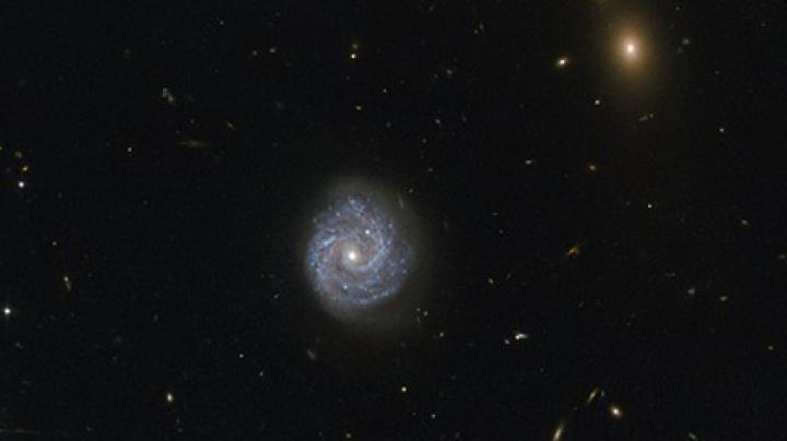 Опубликован снимок нарушающей законы физики черной дыры