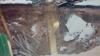 В Брянской области эвакуируют жителей посёлка, где под землю ушли дом и баня