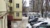 Глыба льда упала на женщину с коляской в Воронеже