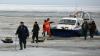 МЧС обнародовало видео спасения рыбаков с дрейфующей льдины у берегов Сахалина