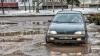 Парковка для смельчаков в Бельцах: Машины застревают в грязи