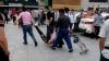 В Китае неизвестные накнилусь с ножами на толпу людей