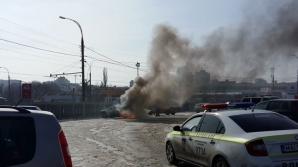 На парковке столичного магазина сгорел автомобиль