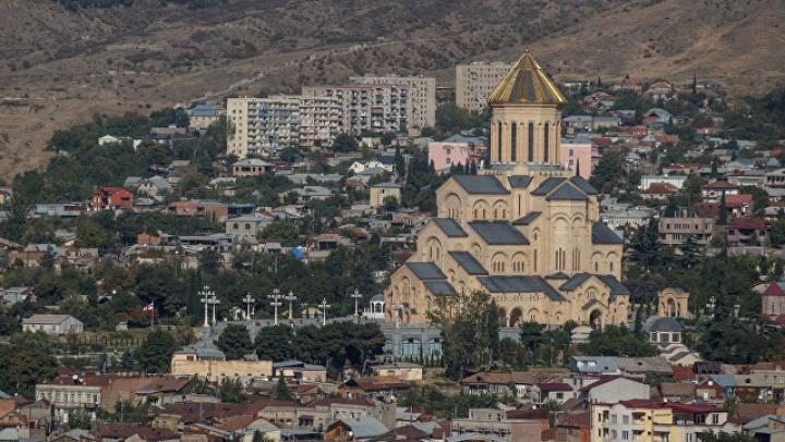 В Тбилиси обстреляли машину, где находился сотрудник Интерпола