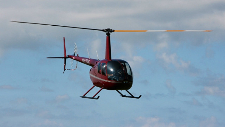 К предполагаемому месту крушения вертолёта готовится вылететь 21 сотрудник МЧС