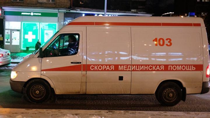 Очередное нападение пьяных на девушку-фельдшера в России