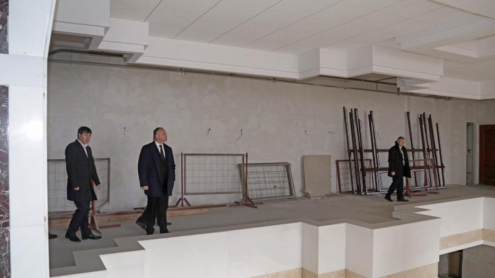 Вид разрушенной президентуры разочаровал Игоря Додона