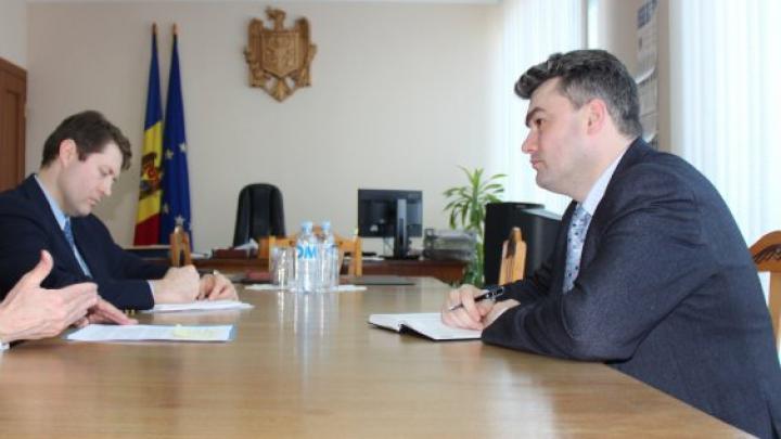 Вице-премьер по реинтеграции встретился с послом США