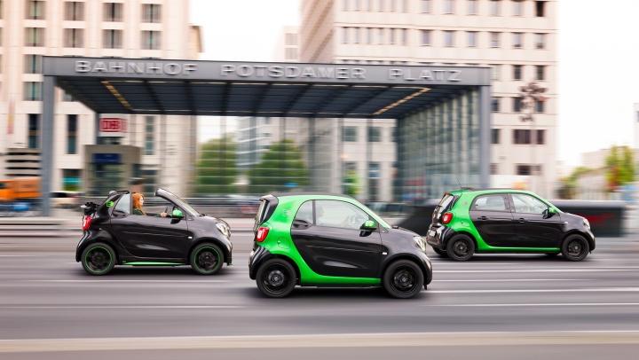 Mercedes-Benz хочет пересадить американцев на электромобили Smart