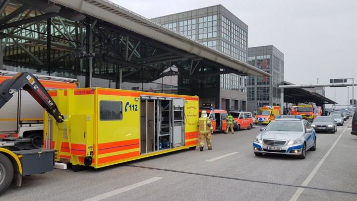Аэропорт Гамбурга закрыт из-за утечки неизвестного вещества, пострадали более 50 человек