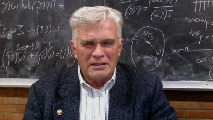 Умер основоположник современной математической физики