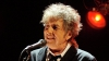 Боб Дилан все же согласился принять Нобелевскую премию