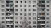 В Екатеринбурге с 12-го этажа выпал 23-летний парень и остался жив