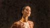 30-летняя американка пять лет удлиняет свою шею, чтобы быть похожей на жирафа
