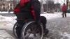 Установлена личность паралимпийца, спускавшегося по трапу самолёта на руках