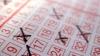 Австралиец нашел старый лотерейный билет на миллион долларов
