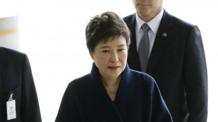 Суд выдал ордер на арест экс-президента Южной Кореи