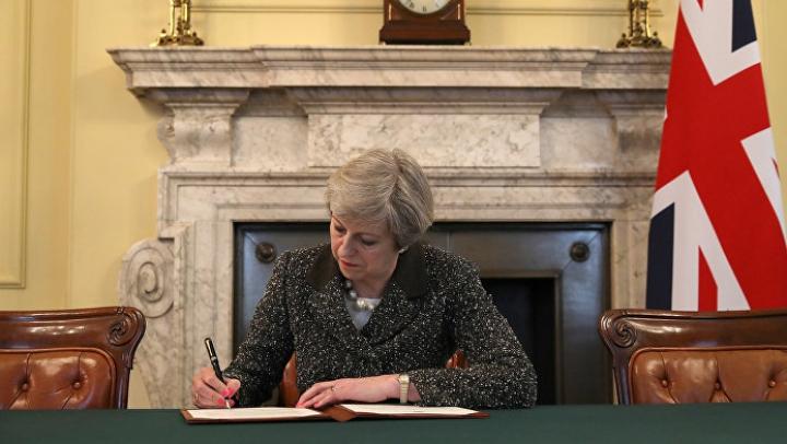 Канцелярия премьера Британии сохранит для истории экземпляр письма о запуске брексита