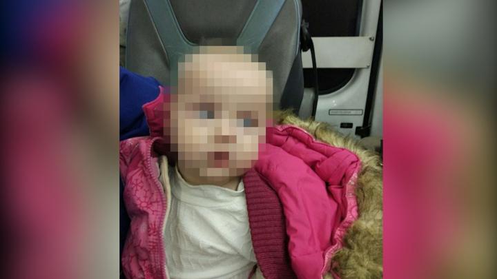 Бабушка специально бросила внучку в коляске на окраине Петербурга