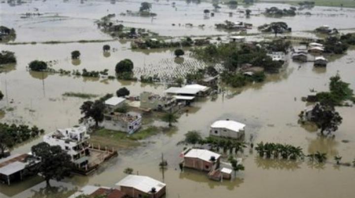 13 человек погибли из-за сильных дождей и наводнений в Эквадоре