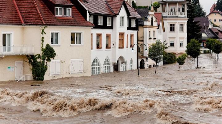 "Европе предсказали ""наводнение столетия"""