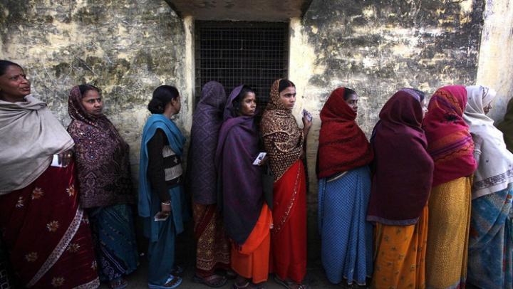 Голодавшая почти 16 лет активистка получила 90 голосов на выборах в Индии