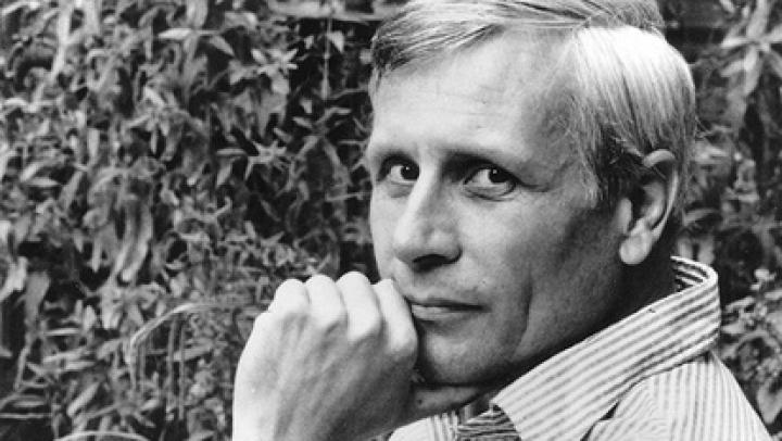 """Умер английский писатель и лауреат """"Букера"""" Дэвид Стори"""