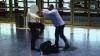 "Пассажир избил пилота American Airlines из-за того, что он ""занимал много места"""