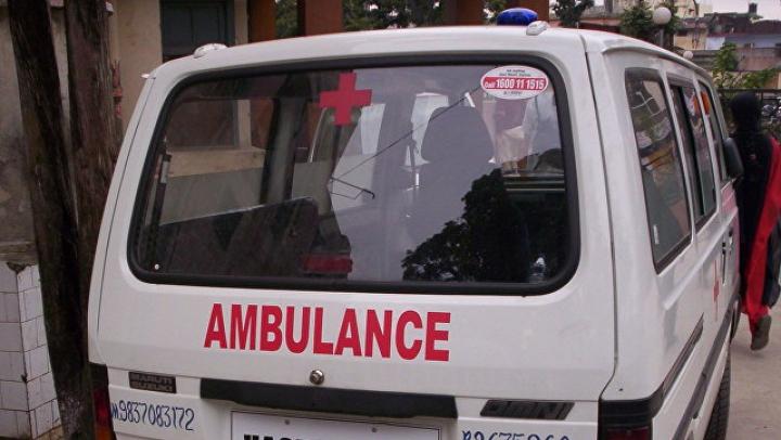 СМИ: в Индии более 40 человек погибли при падении автобуса в реку